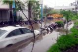 સુરત: વરસાદને કારણે પોલીસ સ્ટેશનમાં પાણી ભરાઈ ગયું