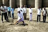 Video: મોરબી: પાણીની માગ સાથે ખેડૂતોએ ખાલીખમ ડેમના પટ પર ક્રિકેટ રમી નોંધાવ્યો વિરોધ