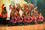 મહેંદી તે વાવી દુબઇમાં ને એનો રંગ ગયો ગુજરાત રે: UAEમાં ગરબા સ્પર્ધાનું આયોજન