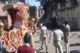 Video: દાહોદમાં દબાણ હટાવવા ગયેલી ન.પા.ની ટીમ અને સ્થાનિકો વચ્ચે ઝપાઝપી
