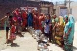 Video:  બોટાદના વિકળીયા ગામે મહિલાઓએ બેડા સાથે રાસ રમીને કર્યો ચૂંટણી વિરોધ