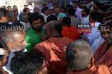 Video: જૂનાગઢ સ્વામિનારાયણ મંદિરની ચુંટનીના મતદાન બાદ બંને પક્ષો વચ્ચે મારામારી