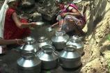 Video: નર્મદાના આ ગામમાં પીવાના પાણી માટે 3 કિમી પદયાત્રા કરવી પડે છે