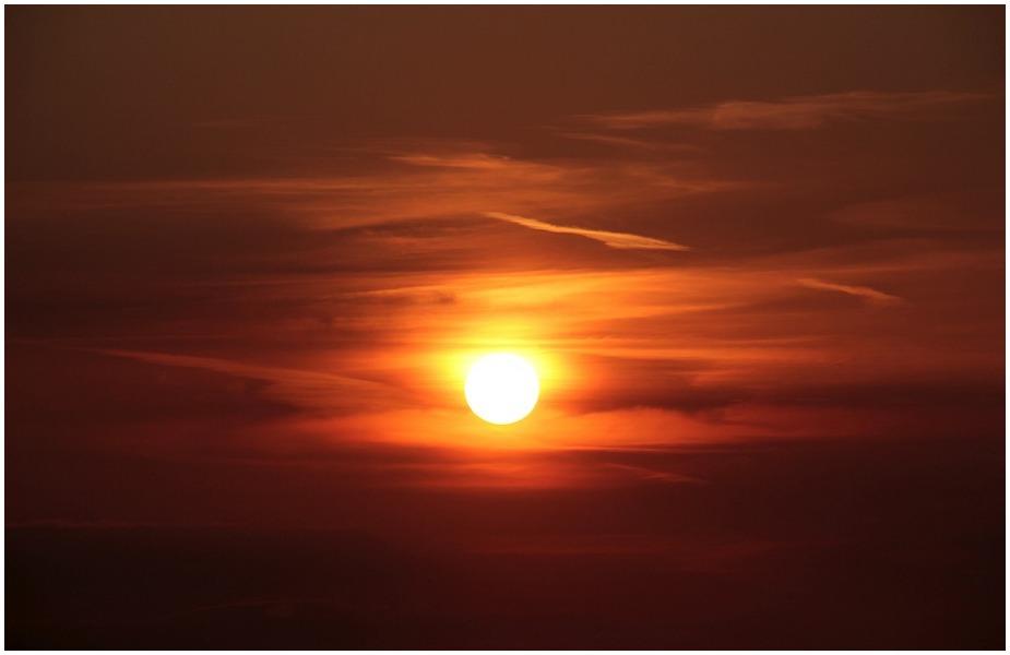 <br />ખરમાસમાં સૂર્યના મકર રાશિમાં પ્રવેશ સાથે મકર સંક્રાંતિથી સંપૂર્ણ થઈ જાય છે. આ બાદ જ કોઈ શુભ કામ કરવું જોઈએ. મકર સંક્રાંતિના દિવસે ગંગા સ્નાન કરવાથી વિશેષ ફળની પ્રાપ્તિ થાય છે.
