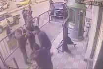 Video: 5 વર્ષના બાળકની ત્રીજા માળેથી છલાંગ, જુઓ પોલિસે કેવી રીતે બચાવ્યું