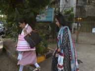 અમૃતા સિંહ અને તેમની દિકરી સારા અલી ખાન મુંબઈના બાંદ્રામાં સ્પોટ થઈ
