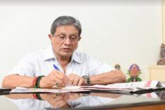 કોંગ્રેસને ફરી ઝટકો, હવે દ. ગુજરાતના પાટીદાર નેતા ધિરુ ગજેરાએ છેડો ફાડ્યો