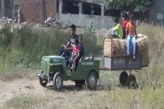 આણંદ: યુવકે સ્કૂટરના એન્જિનમાંથી બનાવી મિનિ જીપ, ખેતી માટે બેસ્ટ