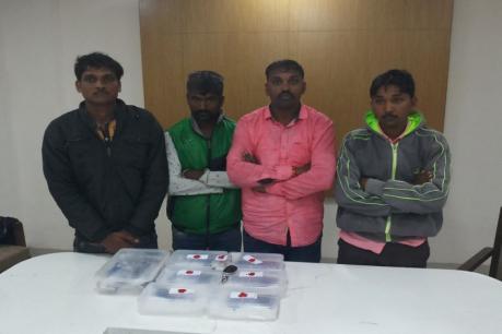 છોટાઉદેપુર: કવાંટમાં સૈડી વાસણ ચોકડી પાસેથી 6 પિસ્તોલ સાથે 4ની ધરપકડ