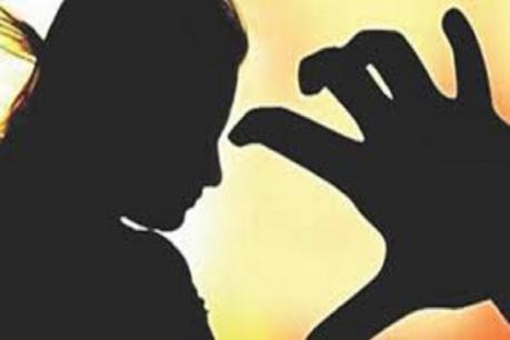 છોટાઉદેપુરઃ વીજળીની ફરિયાદ કરવા ગયો પતિ, ઉંઘતી પત્ની ઉપર મિત્રનું દુષ્કર્મ