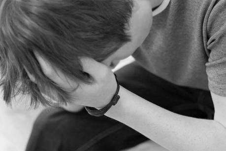 કિશોરે સંબંધ બાંધવાની ના કહેતા મહિલાએ તેના ગુપ્તાંગ પર આપ્યાં ડામ