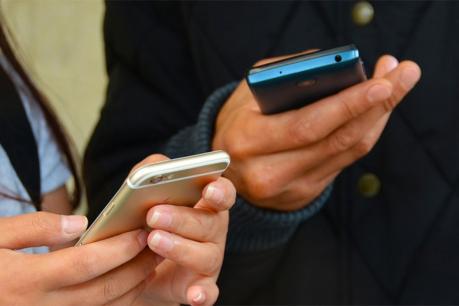 ફોન, સ્માર્ટ વોચ સહિતની વસ્તુઓ થશે મોંઘી, ઇમ્પોર્ટ ડ્યૂટીમાં વધારો