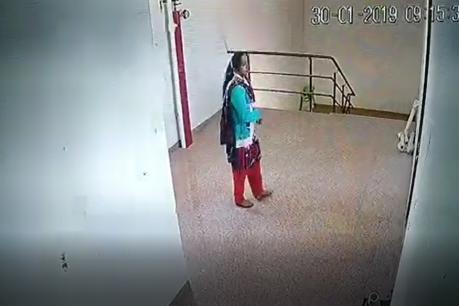 VIDEO : અમદાવાદમાં દવા લેવા નીકળેલી મહિલાએ 10માં માળેથી લગાવી મોતની છલાંગ