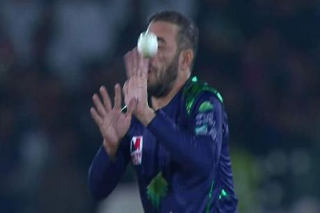 Video: જીવલેણ શોટ રોકવાનો પ્રયત્ન કર્યો તો ફાટી ગયું આ ક્રિકેટરનું જડબું