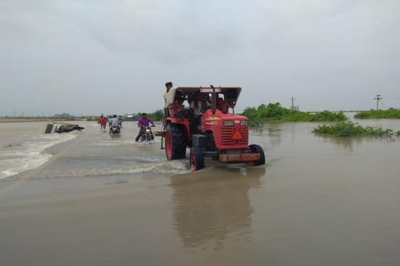 તસવીરોઃ ઉપરવાસમાંથી પાણી આવતા ધોલેરા સ્માર્ટસિટી પ્રોજેક્ટ પાણીમાં