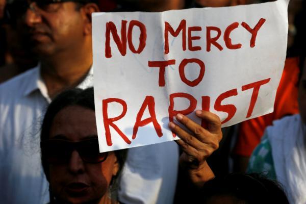 બળાત્કાર પર ફાંસીના વટહુકમને રાષ્ટ્રપતિએ 24 કલાકમાં જ આપી મંજૂરી, કાયદો લાગૂ