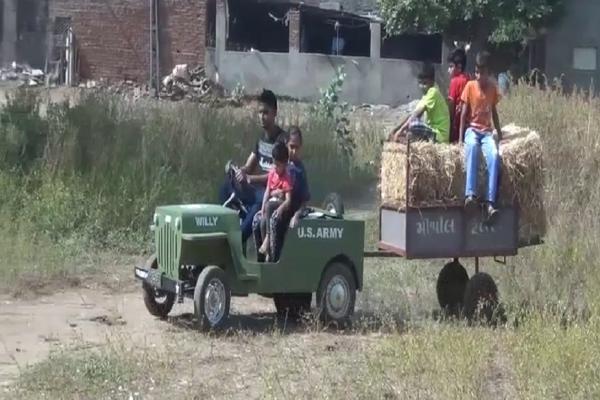 મોગરીના યુવકે સ્કૂટરના એન્જિનમાંથી બનાવી મિનિ જીપ, ખેતી માટે છે એકદમ બેસ્ટ
