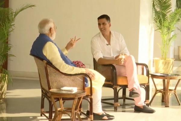 PM મોદી બોલ્યા- વર્ષે એક બે કુર્તા અને બંગાળી મીઠાઈ મોકલે છે મમતા બેનરજી